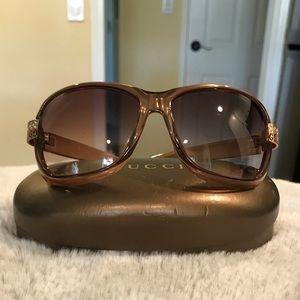 Beautiful GUCCI crystal ring GG sunglasses